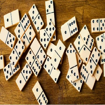 Domino - Play Board Games online
