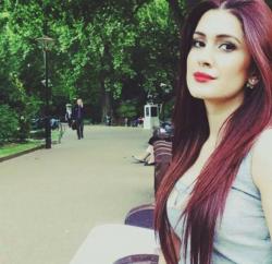 Kubra Khan wiki bio - actress models