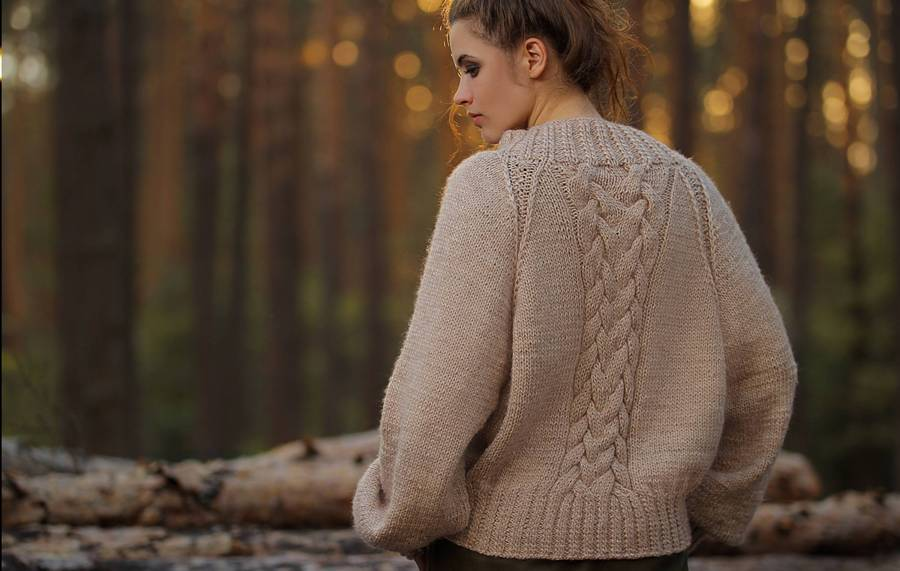 Woolen and hand knitted Sweaters female